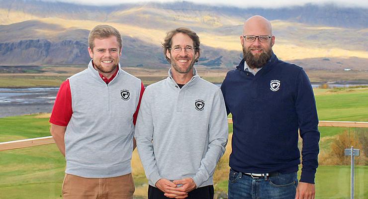 Davíð Gunnlaugsson íþróttastjóri GM, Peter Bronson golfkennari og Gunnar Ingi framkvæmdastjóri GM.